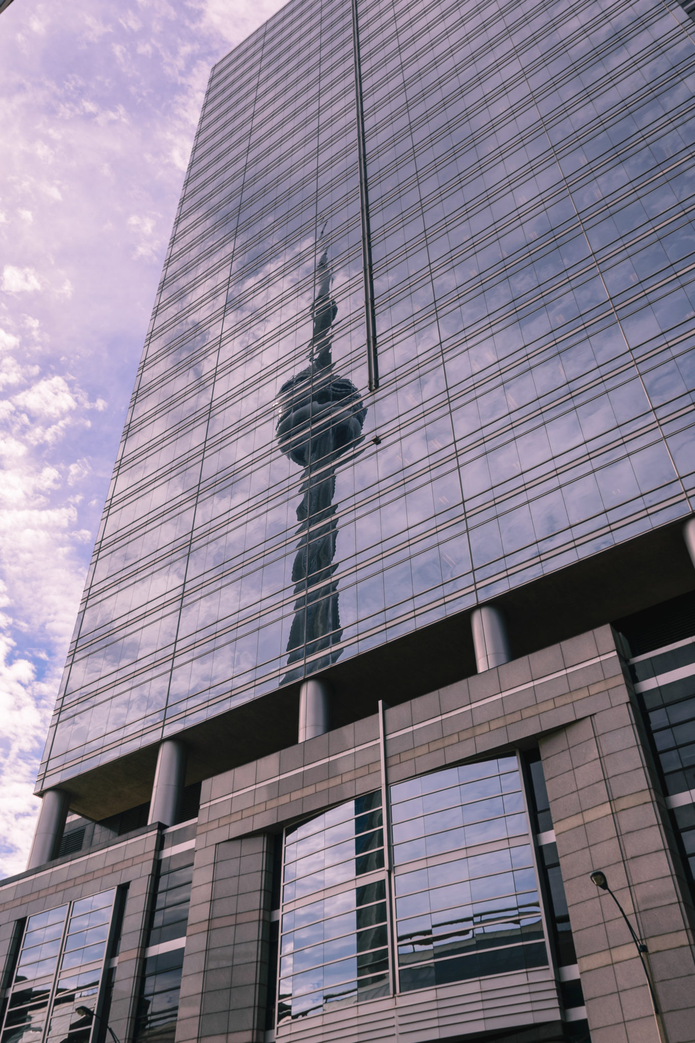 CN Tower Spiegelung